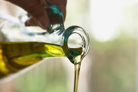 """Solo """"bottigliette"""" per l'olio d'oliva nei ristoranti"""